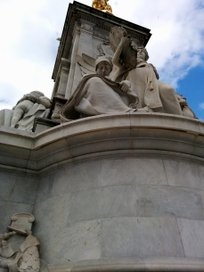 Statue at the fountain by Buckingham Palace. I'm glad Weeping Angels aren't real - they'd overrun London in no time.