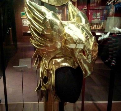 eagle headdress v&a