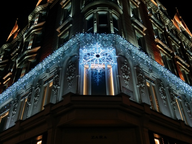 snowflake lights harrods 2014