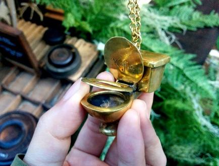 toilet necklace old spitalfields market