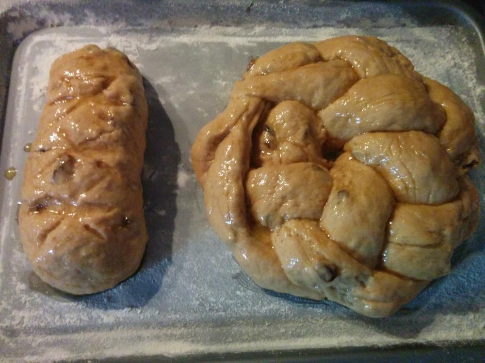 braided raisin loaf