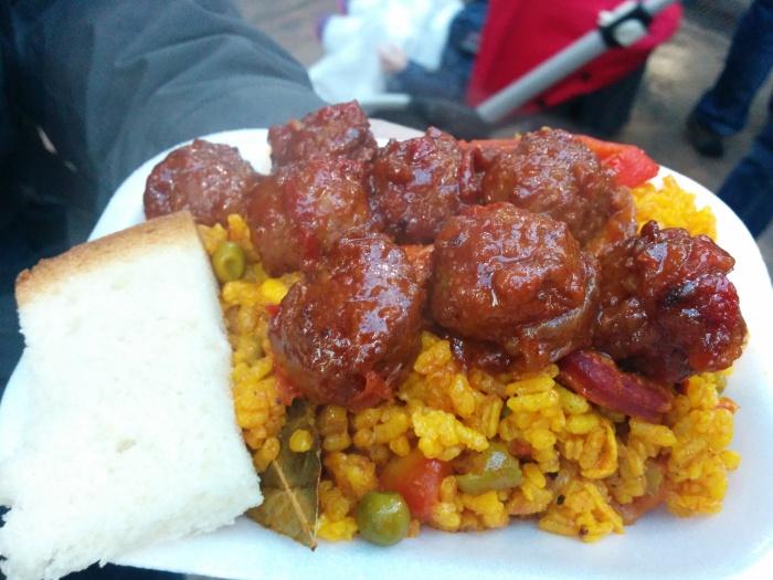 Meatballs, rice and soda bread.