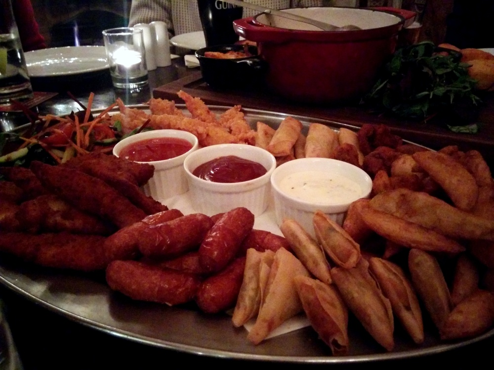 Light sharing platter (€ 17.00) at the Bank on College Green.