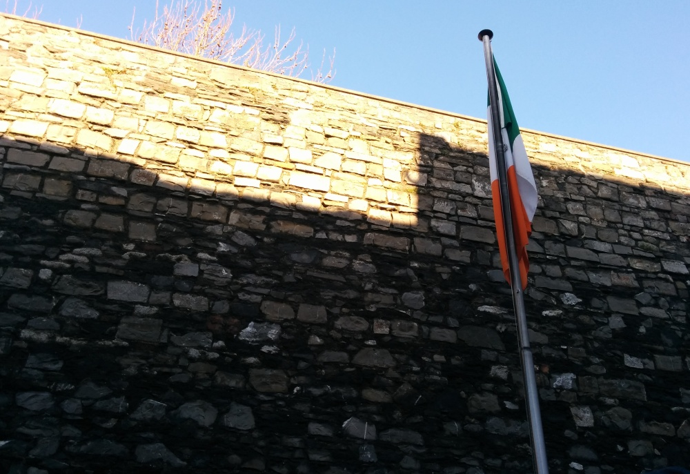 kilmainham gaol outside irish flag