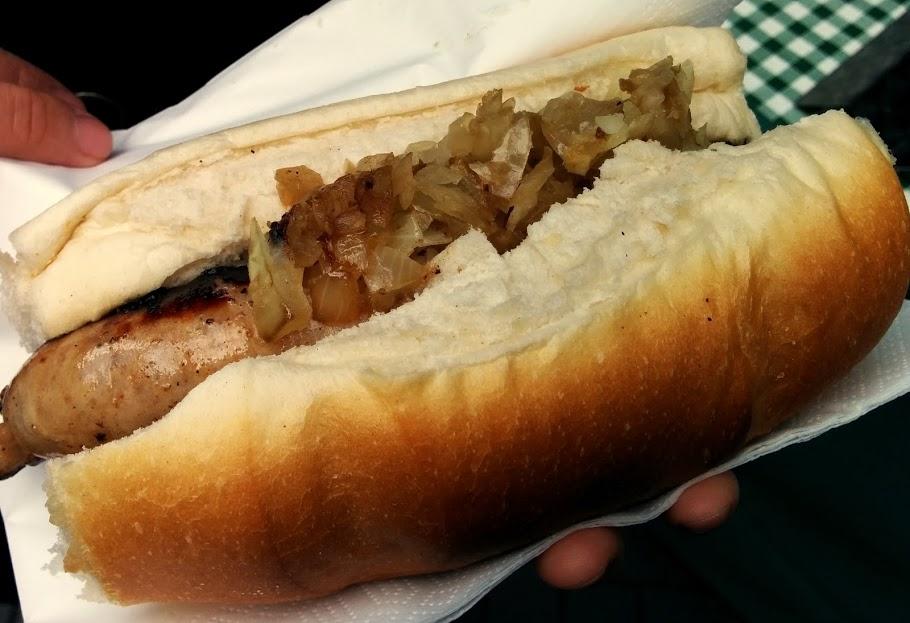 windsor town food market england pork bun hot dog